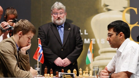 Carlsen-Anand-Finale-1
