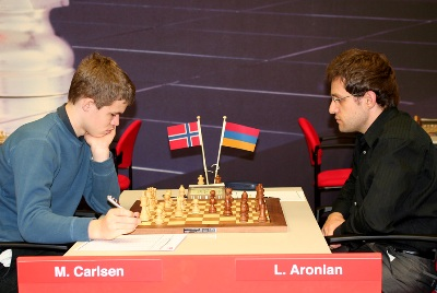 Carlsen-Aronian Corus 2008