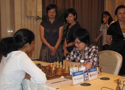 CHN Harika Dronavalli vs Hou Yifan