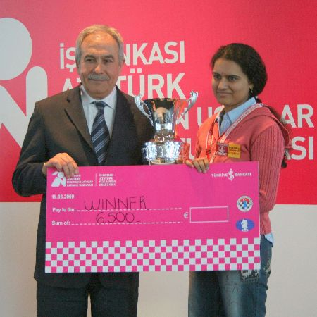 Istanbul GP Koneru prize