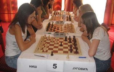 SL 8 Marija Velceva-Marija Muzicuk