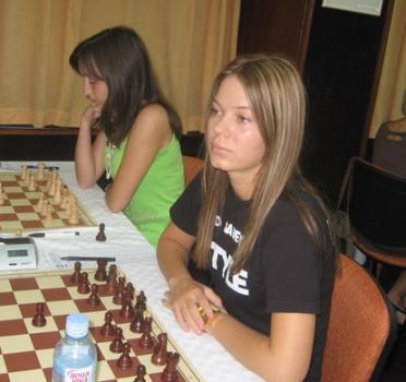 SL Jovana Eric i Sandra Djukic