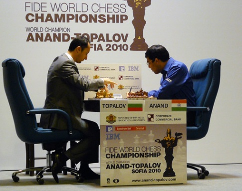Topalov Anand g10 2