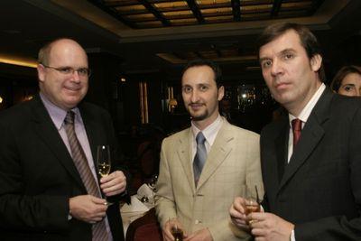 Topalov and Danailov at Mtel 06