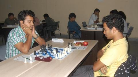 GM Deep Sengupta - IM Saptarshi Roy
