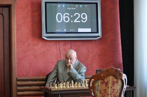 GM Oleg Chernikov