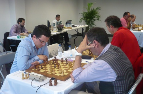 GM Renier Vazquez is leading the daily group with 2 out of 2