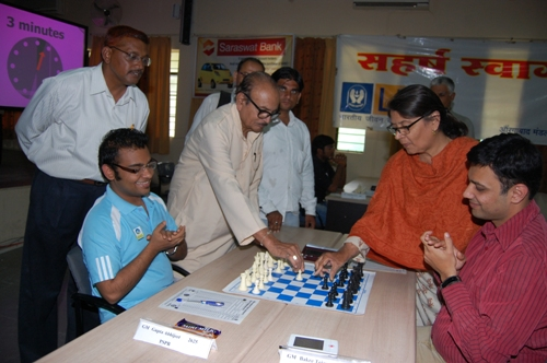 PS Patel, a senior player from Aurangabad inaugurated ninth round