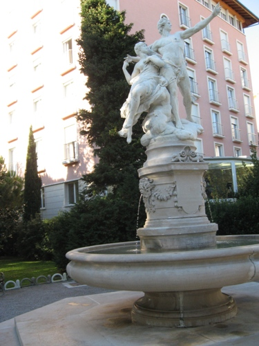 Angiolina Park fountain