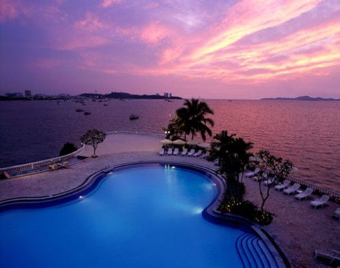 Dusit Thani Pattaya - the lagoon at sunset