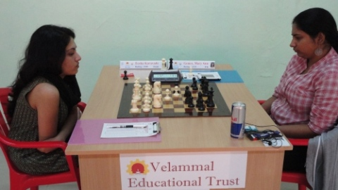 IM Eesha Karavade facing WGM Mary Ann Gomes in the top board