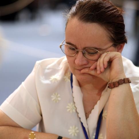Defending champion Cristina Adela Foisor
