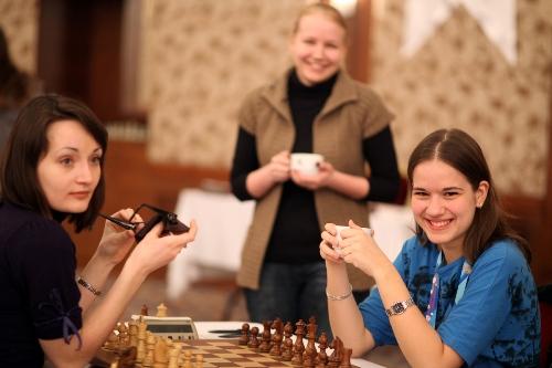 Alina Kashlinskaya, Valentina Gunina and Katerina Lahno