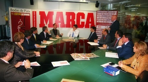 Leon chess - presentation in Marca 2