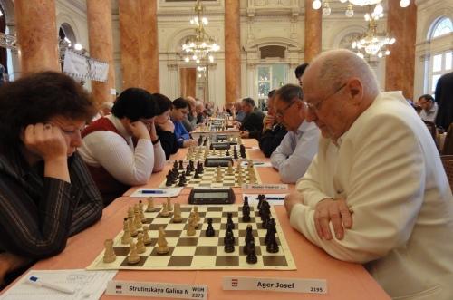 WGM Galina Strutinskaya defeated Josef Ager