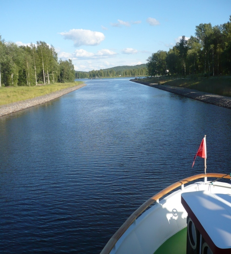 Excursion for the players on the beautiful lakes of Finland