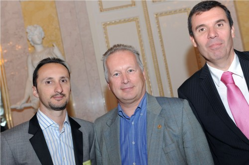 Veselin Topalov, Robert Zsifkovits, Vice President of the Austrian Federation, and Silvio Danailov, ECU President