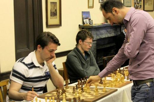 Topalov simul in Edinburgh