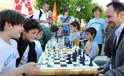 Topalov also shared some chess fun with Vienna children