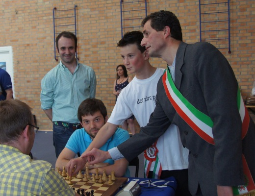 First Move, IM Roberto Mogranzini, GM Ivan Salgado, ViceMayor of the children, Mayor Mr. Colombo