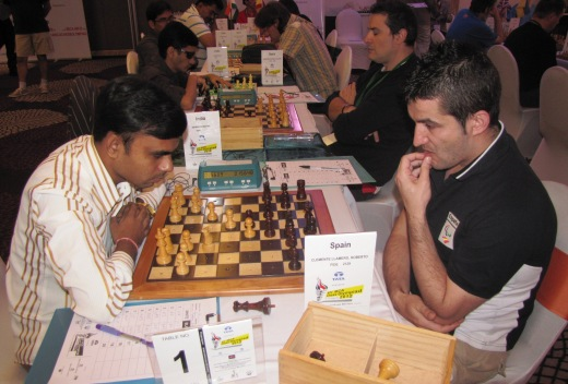 Makwana Ashvin (India A) playing Clemente Llamero Roberto (Spain)
