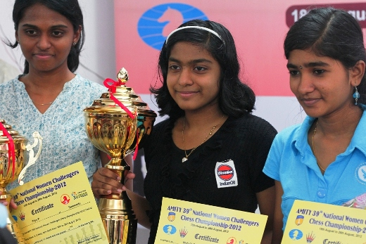 Priya, the first runner up, Michelle Catherina, Winner & J Saranya, Second runner-up