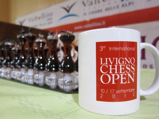 Livigno crystal chess board and the official mug