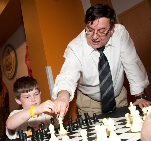 Yermolinsky teaching chess