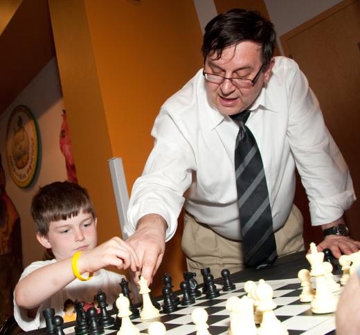Yermolinsky teaching chess