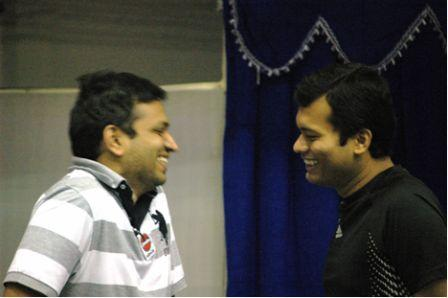 GM S.S. Ganguly (right), from Kolkata, second to Anand in the last two world championships visited the tournament. Here, he shares a joyous moment with GM Abhijit Kunte