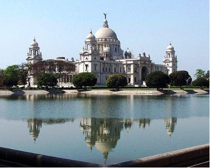Elegant Victoria Mahal, dedicated to the then queen of United Kingdom was inaugurated in 1921