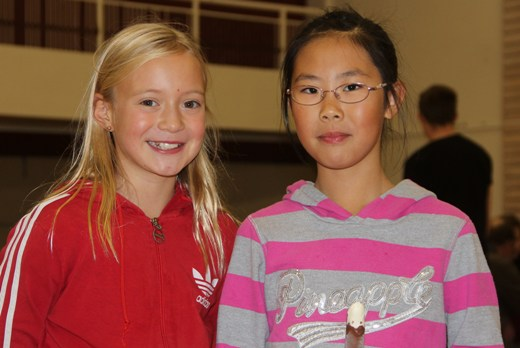 Two promising chess girls: Heidrun Hauksdottir and Nansy Davidsdottir