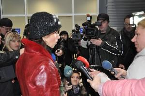 2012-Ushenina-airportPressConf-03Dec-DSC_0929