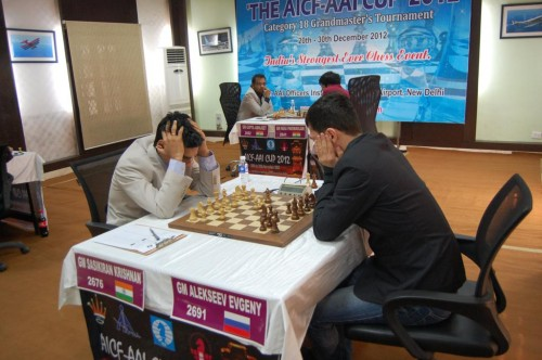 Match between Krishnan Sasikiran and Alekseev Evgeny