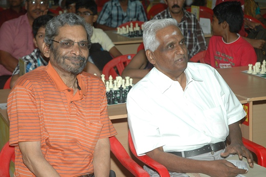 K Muralimohan, General Secretary, Tamil Nadu State Chess Association with the chief guest M Balasubramaniam