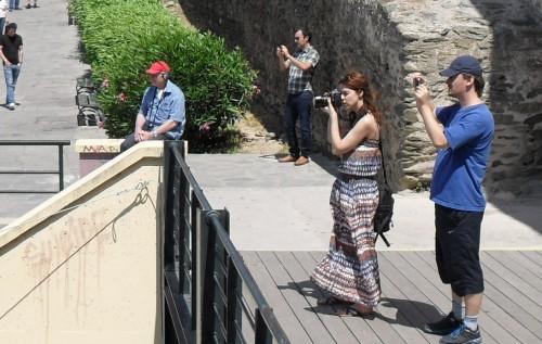 Leinier, Anastasya and Alex taking photos