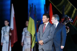 Kirsan Ilyumzhinov welcoming the participants