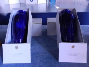 The 2 vases offered by the French President François Hollande!