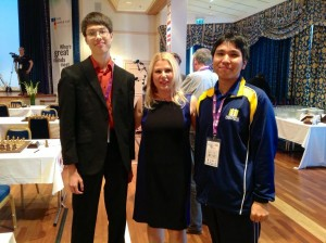 Wesley So and Ray Robson with Susan Polgar before the games