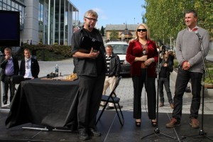 Susan Polgar and GM Adgestein hosts of the mini opening and simul by Karpov