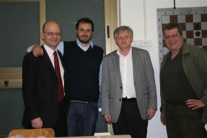 GM Romanishin with Stefano Bellincampi and two of the Scacchierando's authors