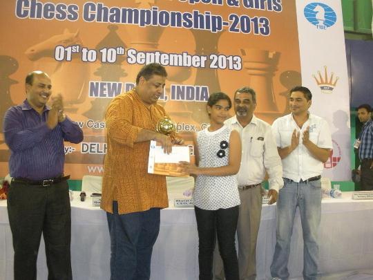 Priyanka receiving Winners trophy in girl's section