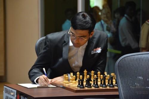 Anand - Carlsen game 2 3