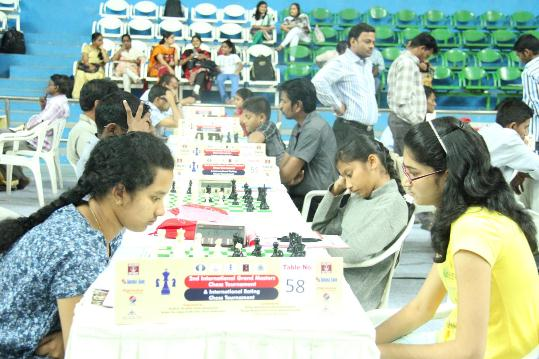Kavya Shrishti of Andhra Pradesh and Tejaswini Sagar of Maharashtra during Category B