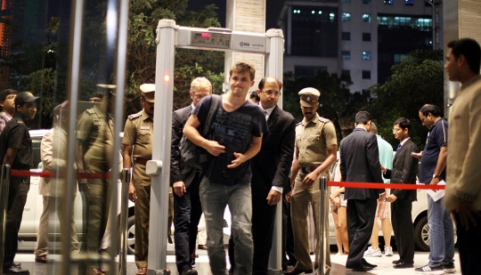 Magnus Carlsen arrived to Hyatt Regency