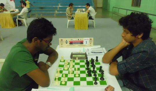 Top board battle between Sethuraman and Vidit Santosh Gujarathi