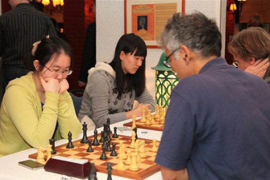 Guo Qi and Tan Zhongyi playing in the Blitz