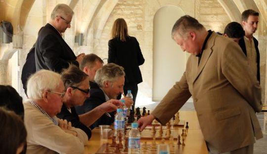 Anatoly Karpov simul in Normandy