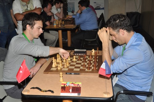 GM Ipatov faces GM Bauer