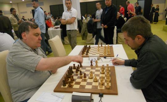 Kovačević (r) missed a good chance to beat Gleizerov